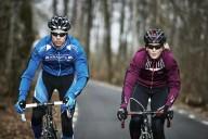 Почему велосипедисты так странно одеваются?