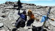 Альпинист-инвалид и собака взошли на вершину горы