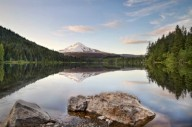 Триллиум-живописное озеро в Орегоне