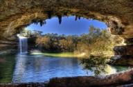 Наземное и подземное озеро Гамильтон Пул