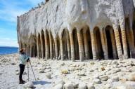 Каменные колоны озера Кроули