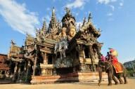 Деревянный Храм истины в Таиланде