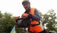 Украинский пенсионер проехал 17 стран на велосипеде