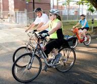 Министр США приехал на работу на велосипеде