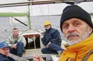 Украинцы на яхте спасались от пиратов и ели барракуд