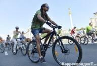 Клетчатый велопарад на майдане в Киеве
