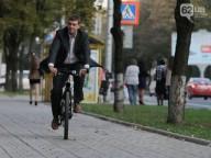 Зам мера Донецка был замечен на велосипеде