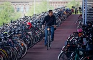 Велосипеды в продажах теснят автомобили