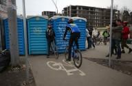 Киевские велосипедисты борются за свои велодорожки