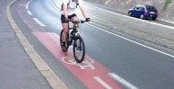 Замедляют ли велодорожки движение автотранспорта ?
