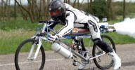 Установлен рекорд скорости на велосипеде 333км/ч