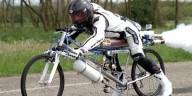 Велосипед-ракета разогнался до скорости 333 кмч