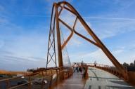 Проект моста для пешеходов и велосипедистов