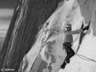 В Непале погиб австрийский альпинист.