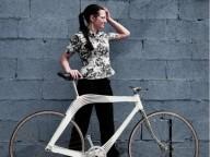 Украинка придумала нестандартный велосипед
