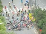 Пешеход вызвал массовую аварию