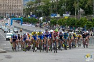 Под Киевом грузовик сбил спортсменов-велосипедистов