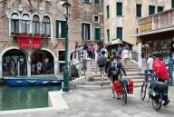 В Венеции запретили ездить на велосипедах