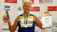 90-летняя пенсионерка установила рекорд Украины