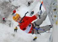 Валентин Сипавин вошел в десятку лучших ледолазов мира