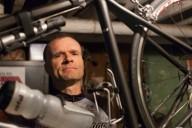 Парализованный велосипедист мечтает проехать 1000000 миль