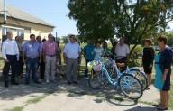 Под Харьковом фельдшеры пересели на велосипеды