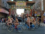 Голые велосипедисты захватили улицы Филадельфии