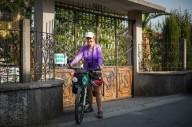 Одна на велосипеде в 50 лет