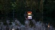 Плавучая сауна на шведском озере