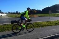 Велосипедист проехал через 13 стран за 7 дней