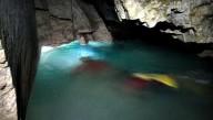Туристов зовут окунуться в подземное озеро Украины