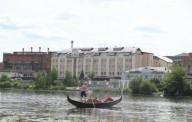 В Виннице туристов начали катать на гондоле