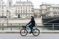 Во Франции велопрокат по принципу тележек в супермаркете
