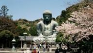 Японский город запретил туристам есть на ходу