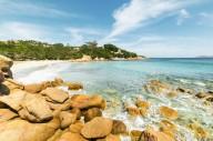 Туристам в Сардинии запретили брать песок с пляжей
