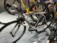 Чемпион  Тур де Франс продает победный велосипед
