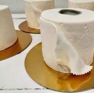 Торты в виде рулонов туалетной бумаги популярны в Финляндии