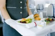 Из-за пандемии ведущие авиакомпании запретили алкоголь