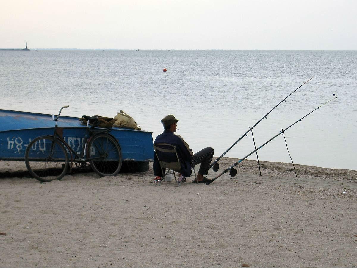 4, 5 - 1-й городской пляж, городской яхт-клуб и спас-станция.