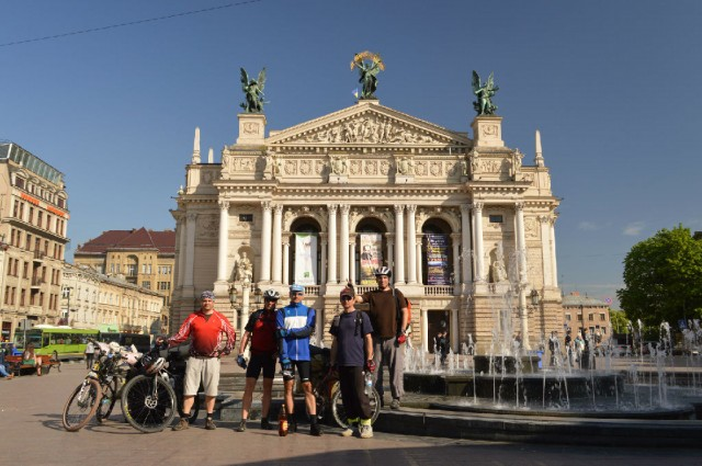 http://tourist.kharkov.ua/report/3197/imgm/000003-t.jpg