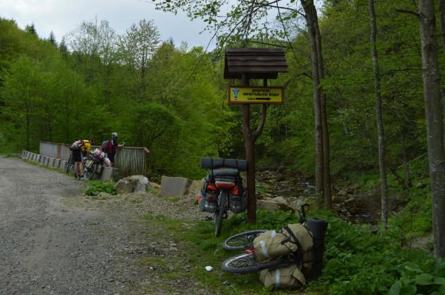 http://tourist.kharkov.ua/report/3197/imgm/000016-t.jpg