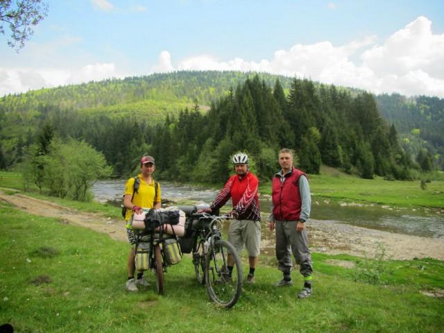 http://tourist.kharkov.ua/report/3197/imgm/000083-t.jpg