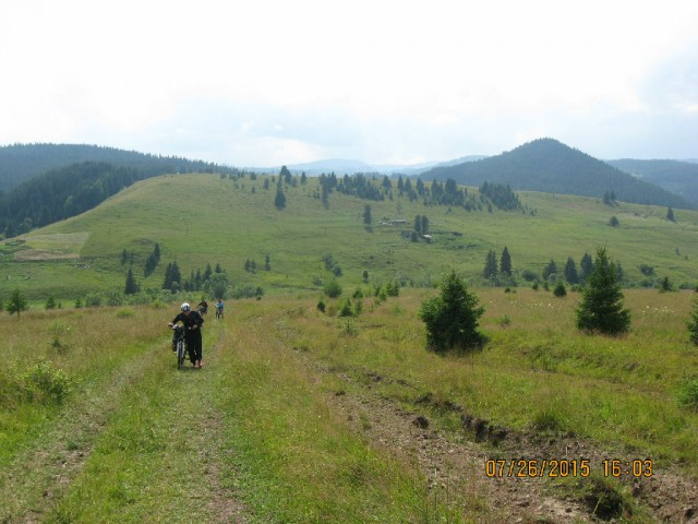 http://tourist.kharkov.ua/report/4706/imgm/000065-t.jpg