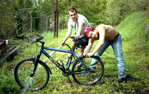 Мойка велов. Три его, три!